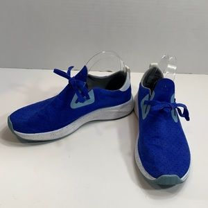 Native blue perforated pull on sneakers size 7